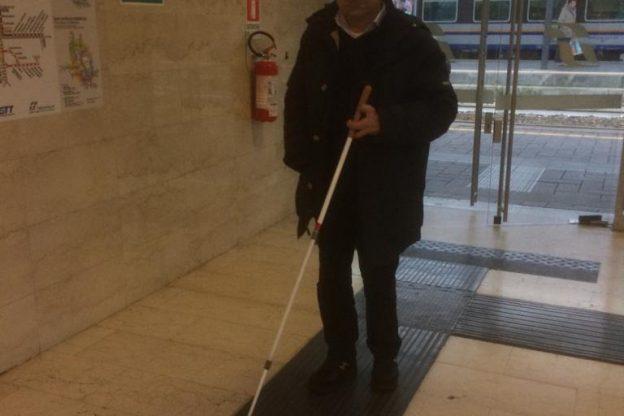 Sopralluogo di Adriano Capitolo (Fand) alla stazione di Asti