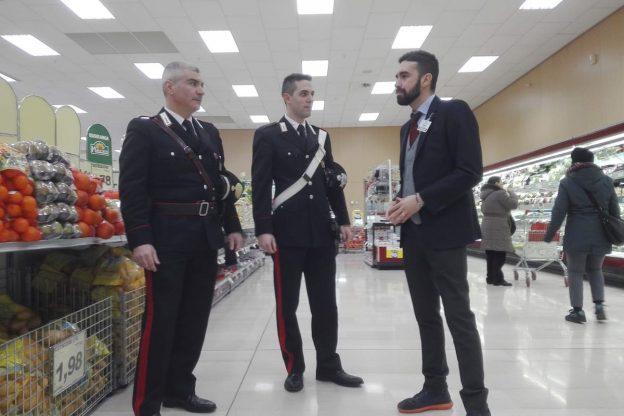 Asti, pagano solo mezza spesa: albanesi denunciate dai carabinieri