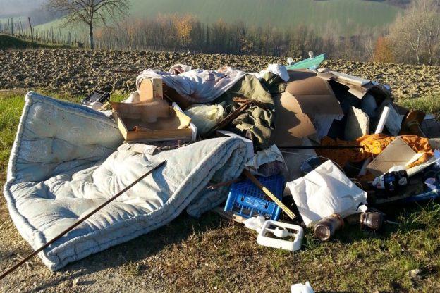 Discarica abusiva scoperta a Isola d'Asti
