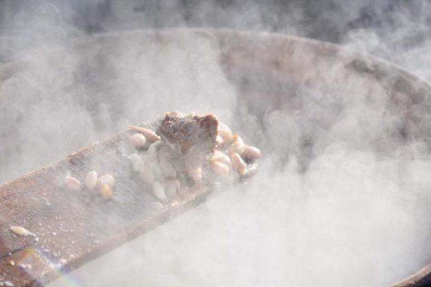 A Castiglione la tradizionale fagiolata di San Defendente: la fotogallery