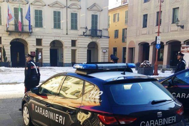 Soprusi e violenza contro la ex compagna e il figlio: arrestato dai carabinieri di San Damiano