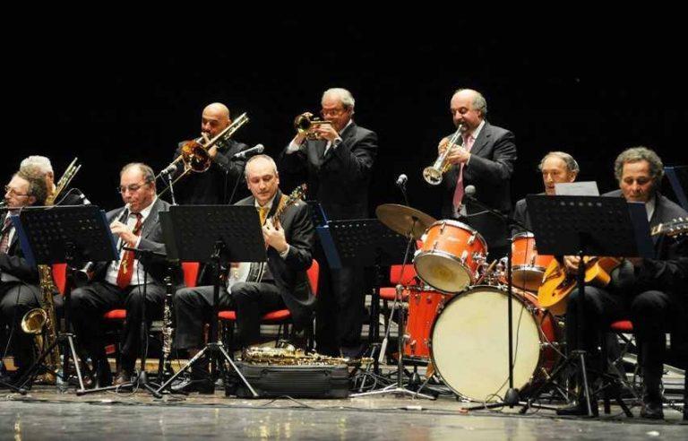 Si festeggiano i vent'anni di Mobil Swing Band ad Asti in Biblioteca