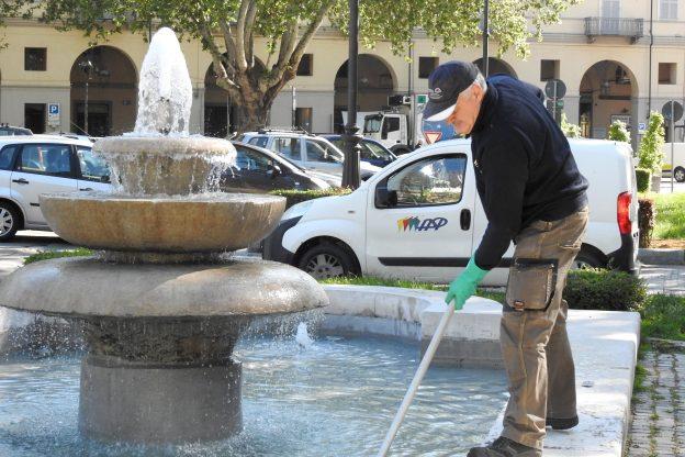 Le fontane ornamentali di Asti riattivate dagli operatori Asp