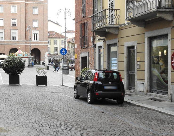 Asti si paga la sosta negli stalli blu di piazza Statuto