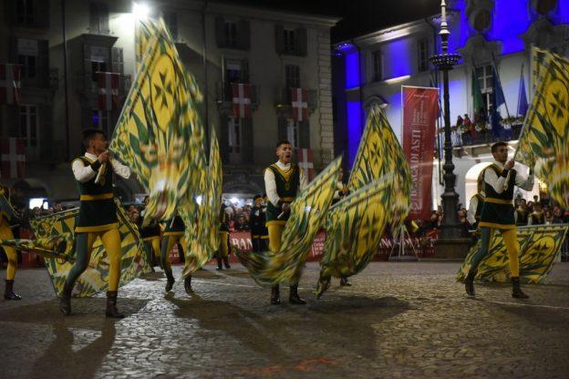 Asti, San Lazzaro vince ancora il Palio degli Sbandieratori