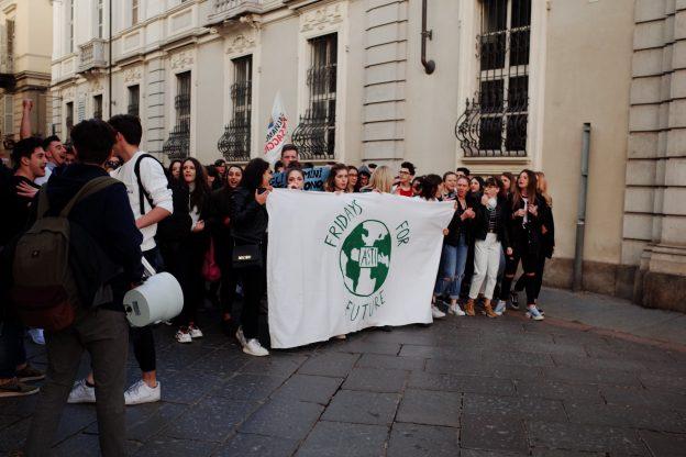 I ragazzi dei Fridays For Future Asti in piazza per il clima