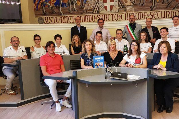 I cervelloni del liceo Vercelli ricevuti in Municipio