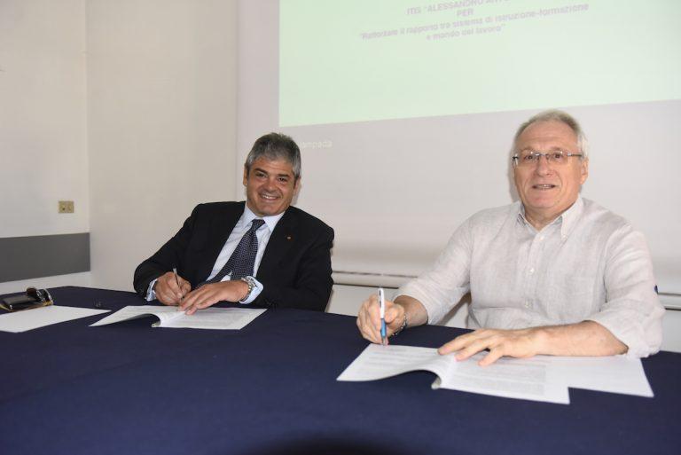 Dall'Unione Industriale e dall'Artom un protocollo per aiutare gli studenti e le imprese dell'Astigiano