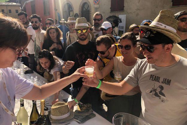 Eddie Vedder e Asti Docg inaugurano Collisioni