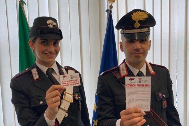 Asti, dai carabinieri un adesivo per combattere le truffe