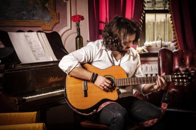 La tre giorni live del cantautore astigiano Jacopo Perosino