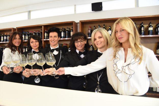 Asti, la Douja D'Or brinda al successo con 20.460 calici di vino degustati