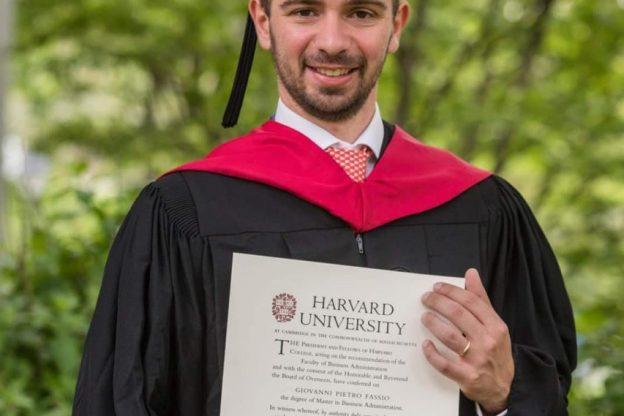 Giovanni Fassio, dal liceo Vercelli alla laurea ad Harvard