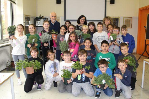"""""""Vorrei essere una quercia o una lavanda"""" : 68 bambini nicesi scelgono la pianta che li rappresenta"""