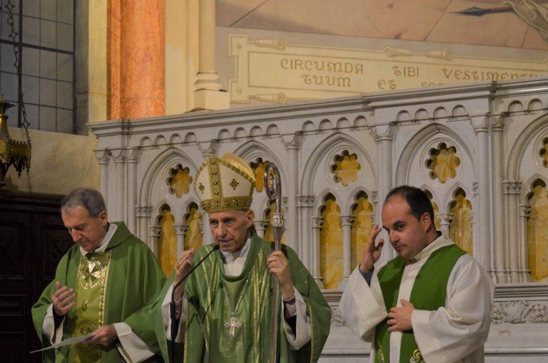Il cardinal Poletto ad Asti per i 90 anni della chiesa di San Pietro