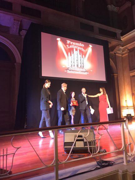 Manuela Caracciolo vince il premio letterario Milano International