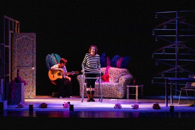 """Al Teatro Sociale  di Nizza Monferrato """"Non farmi perdere tempo"""""""