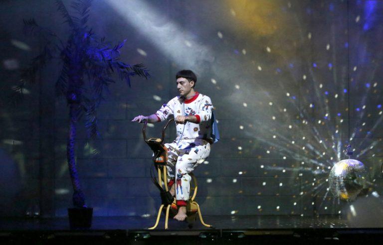 """Attesa al Teatro Alfieri di Asti per lo """"Skianto"""" di Filippo Timi"""