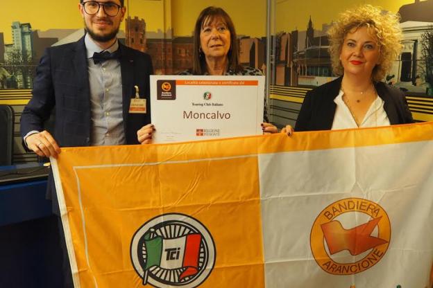 Moncalvo nuova Bandiera Arancione dell'Astigiano