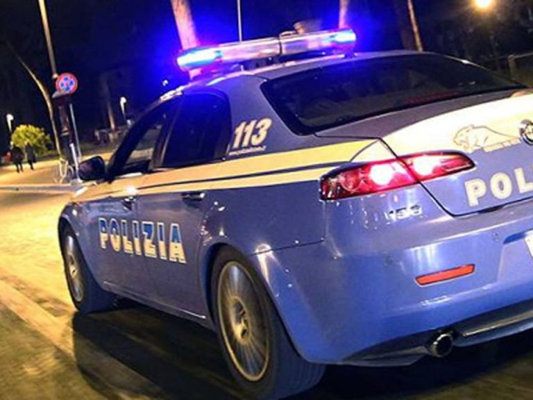 Asti, fermati dalla polizia con un grosso palanchino