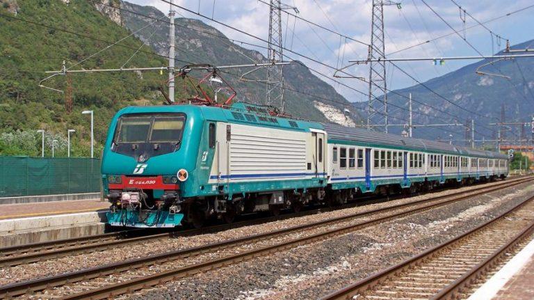 Bonus pendolari e nuovi servizi per chi viaggia in treno