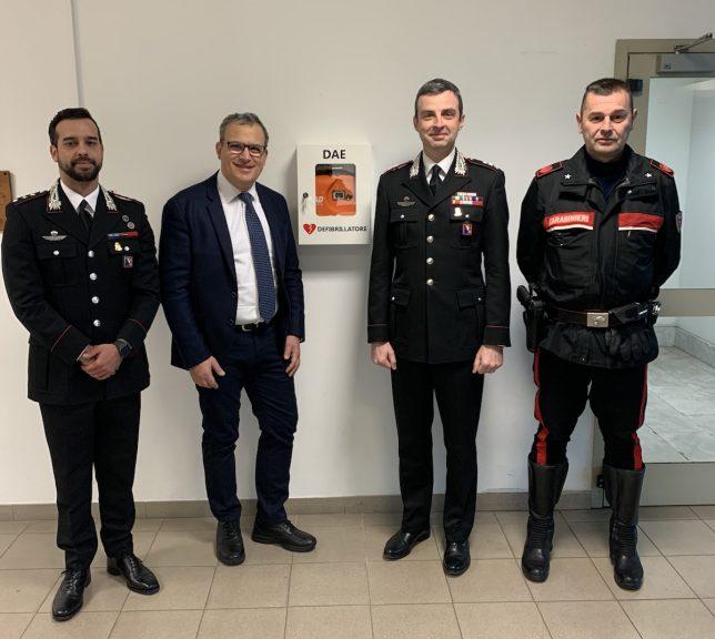 Donato un nuovo defibrillatore ai carabinieri di Asti