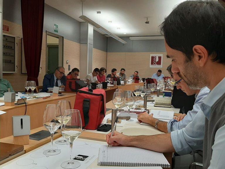 Presentazione del Corso per Assaggiatori di vino Onav a FuoriLuogo