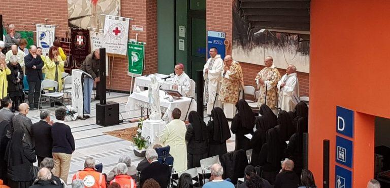 Asti, grande partecipazione alla messa in ospedale per la Giornata del Malato