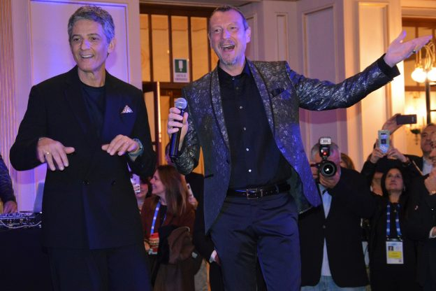 Tutto pronto per il Festival di Sanremo: le prime foto dalla Riviera dei Fiori