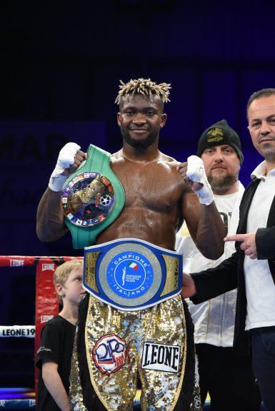 Asti incorona il suo re della boxe: la fotogallery