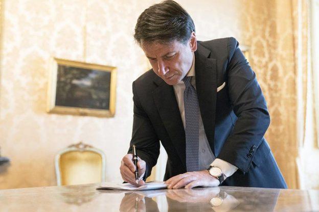 """Coronavirus, il presidente Conte firma il decreto: Asti e mezzo nord Italia """"blindati"""""""