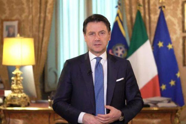 Coronavirus, la conferenza stampa del premier Conte: la diretta streaming