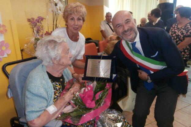 Calosso piange la sua centenaria, la maestra Pasqualina Scagliola