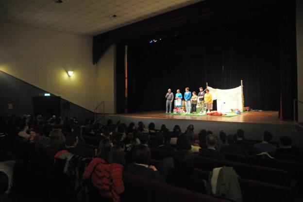 Un anno fa riapriva al pubblico il teatro Balbo di Canelli: il messaggio di Fabio Fassio
