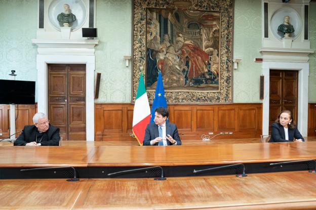 Governo e Cei firmano un protocollo: dal 18 maggio sì alle celebrazioni liturgiche nei luoghi di culto