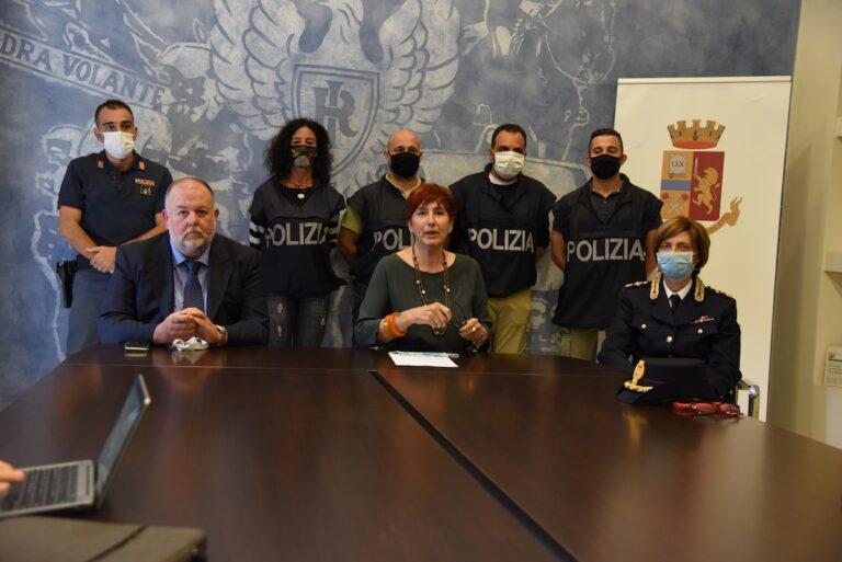 Asti, operazione antidroga della polizia: 42 persone indagate