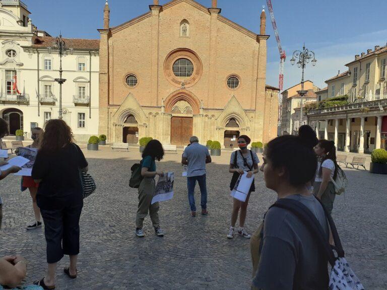 Asti, flash mob in piazza San Secondo