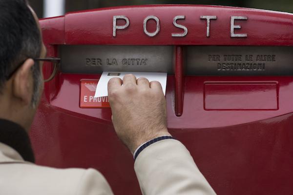 Poste Italiane rifà il look alle cassette postali nella provincia di Asti