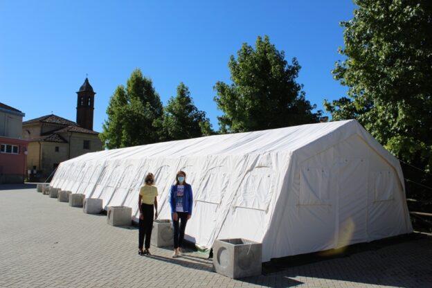 A Villafranca la scuola riparte: i bambini mangeranno in sicurezza sotto la tenda