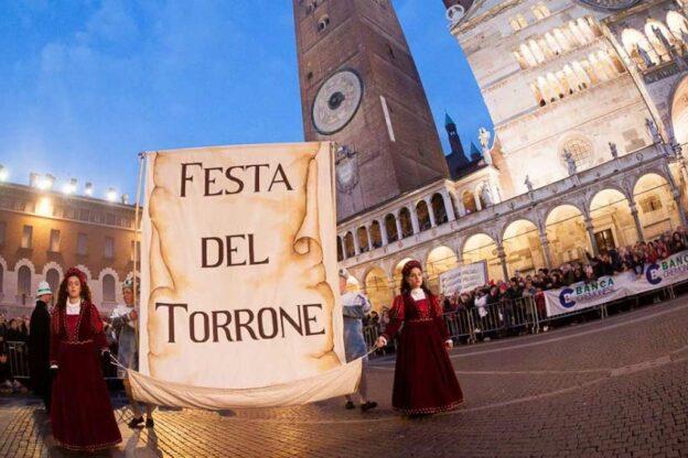 Un maestro pasticcere astigiano alla festa del torrone di Cremona