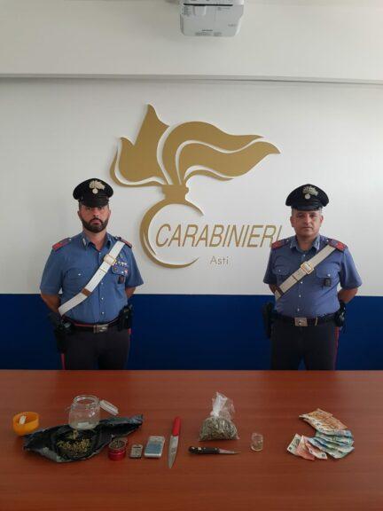 Pubblica un video su Tik Tok con  droga e denaro: arrestato dai carabinieri per spaccio