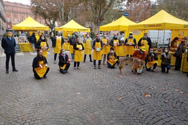 Asti, in in piazza Alfieri, c'è il nuovo agrimercato di Campagna Amica