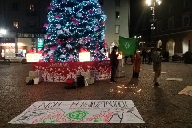 Asti, manifestazione di Fridays for Future a cinque anni dall'accordo di Parigi