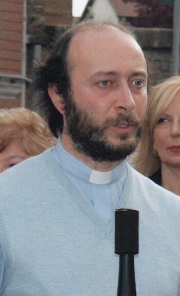 Don Carlo Pertusati lascia le sue parrocchie e il sacerdozio