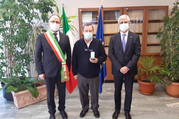 Asti, si celebra il Giorno della Memoria: ecco chi ha ricevuto le Medaglie d'Onore del presidente della Repubblica