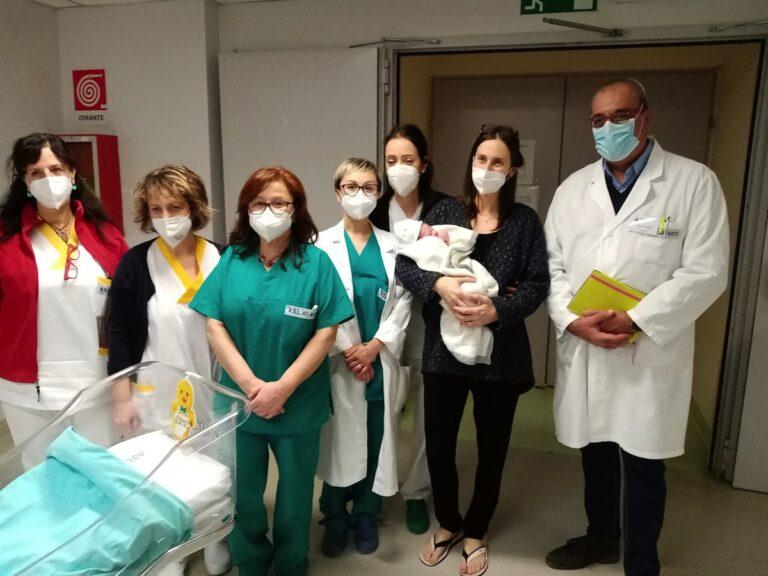 Asti, fiocco azzurro all'ospedale Massaia: il primo nato del 2021 è Davide