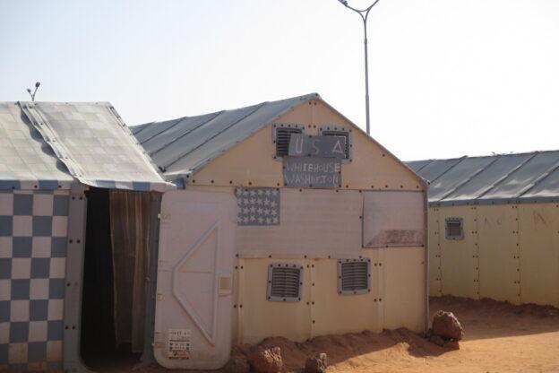Il vescovo Marco in Niger: un viaggio blindato per sbilndare i corridoi umanitari