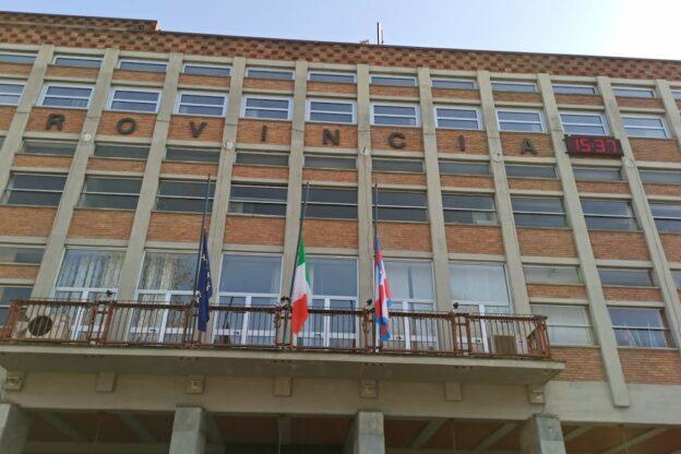Asti, bandiere a mezz'asta per l'attentato in Congo
