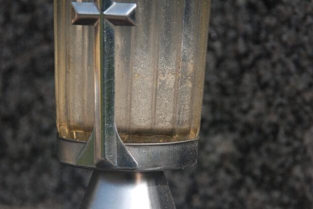 Domani chiuso lo sportello Asp per l'illuminazione votiva cimiteriale