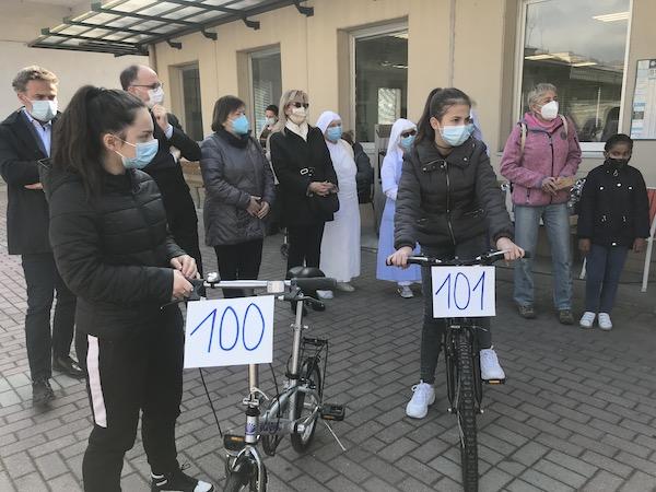 Dona-Bici: consegnate le biciclette numero 100 e 101